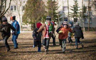 Visapusiška pagalba vaikui kuriant ryšį ir padedant jam tinkamai elgtis